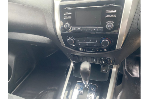 2018 Nissan Navara NAVDP4YA3SL SL 4X4 D/Cab Auto Utility crew cab Image 5