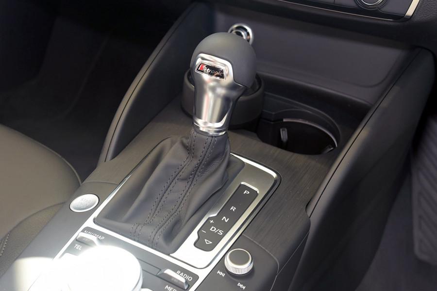 2019 Audi A3 Hatchback Mobile Image 17