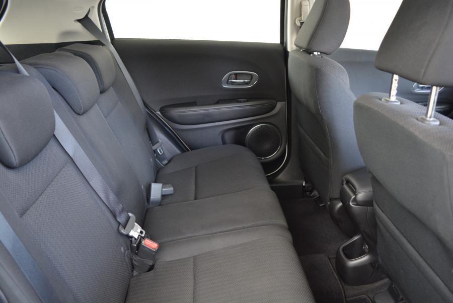 2016 Honda HR-V VTi-S Hatchback Image 15