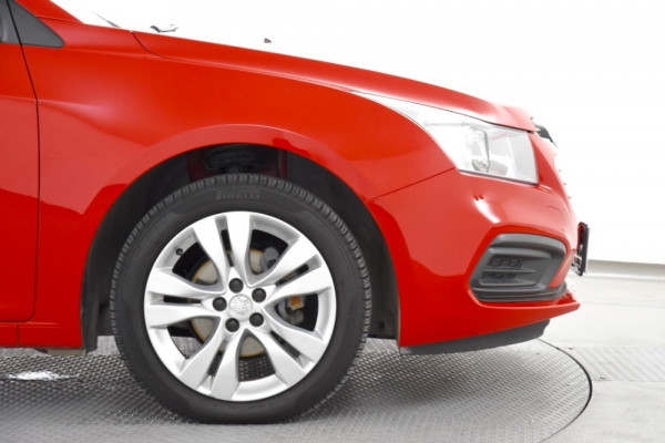 2015 Holden Cruze Vehicle Description. JH  II MY15 EQUIPE HBK 5DR SA 6SP 1.8I Equipe Hatch Image 5