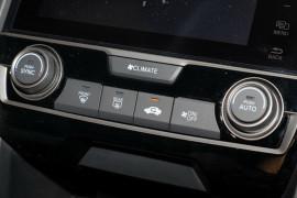 2017 Honda Civic Hatch 10th Gen VTi-L Hatchback