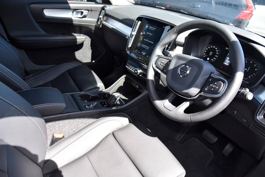 2020 MY21 Volvo XC40 XZ T4 Momentum Suv Image 10