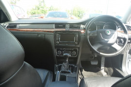 2009 Skoda Superb 3T Sedan Sedan