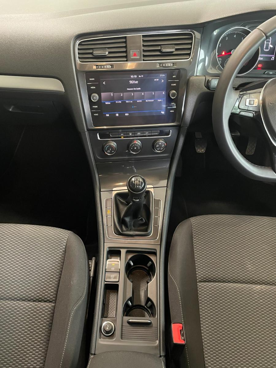 2017 MY18 Volkswagen Golf 7.5  110TSI Hatchback Image 16