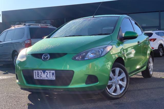 2010 Mazda 2 Neo 7 of 22