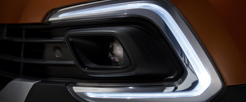 Captur LED daytime running lights