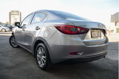 2016 Mazda 2 DL Series Maxx Sedan Image 4