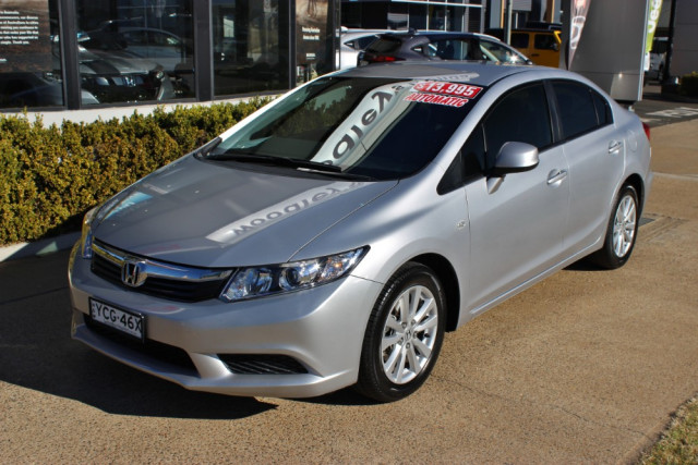 2013 Honda Civic 9th Gen Ser II  VTi-L Sedan