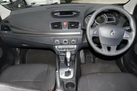 2011 Renault Megane III B32 Dynamique Hatchback