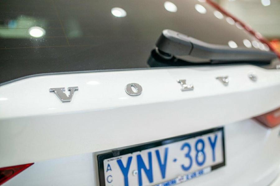 2019 Volvo V90 Cross Country D5 Wagon Image 17