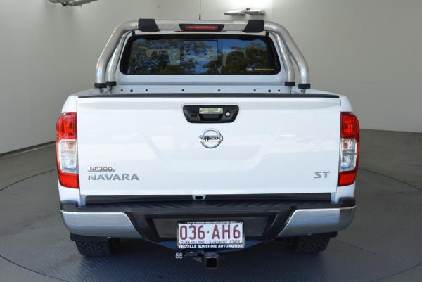 2015 Nissan Navara D23 ST Utility Image 5