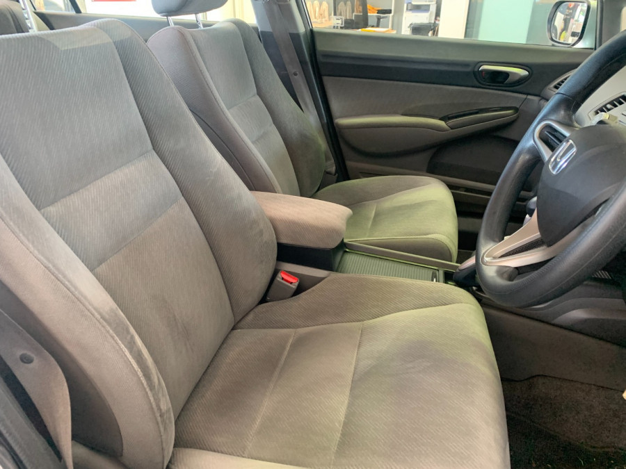 2010 Honda Civic 8th Gen  VTi Sedan Image 13