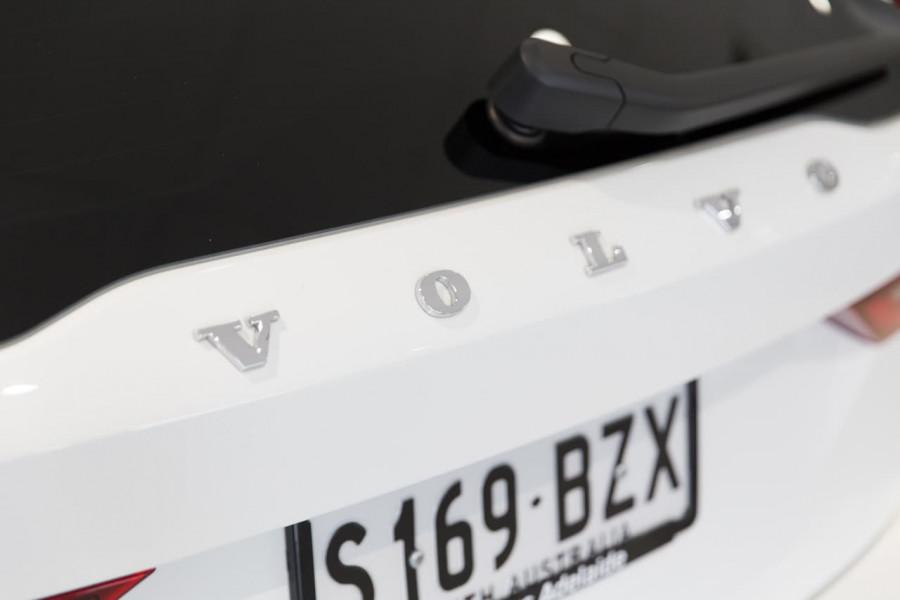 2020 Volvo V90 Cross Country P Series D5 Wagon Image 14