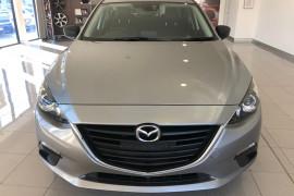 2014 Mazda 3 BM5278 Touring Sedan Image 2