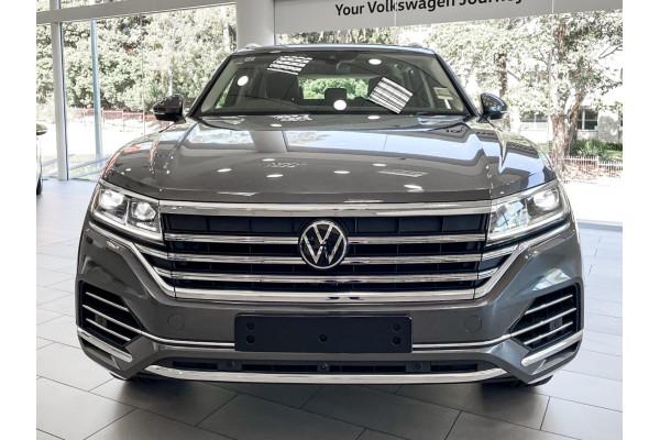 2021 Volkswagen Touareg Suv Image 4