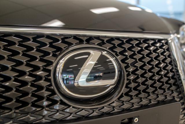 2016 Lexus Is GSE31R 350 F Sport Sedan Image 17