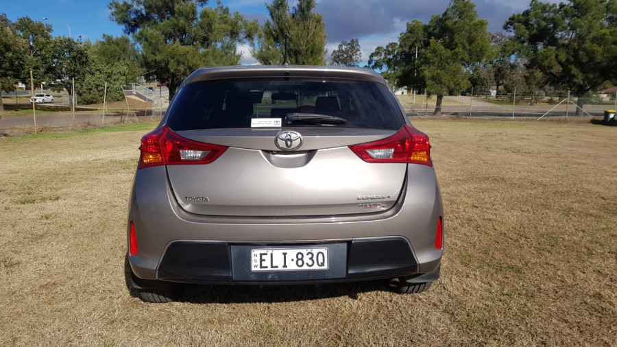 2015 Toyota Corolla ZRE182R Ascent Sport Hatch Image 6