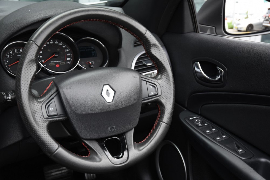 2015 Renault Megane III E95 Phase 2 GT-Line Convertible Image 9