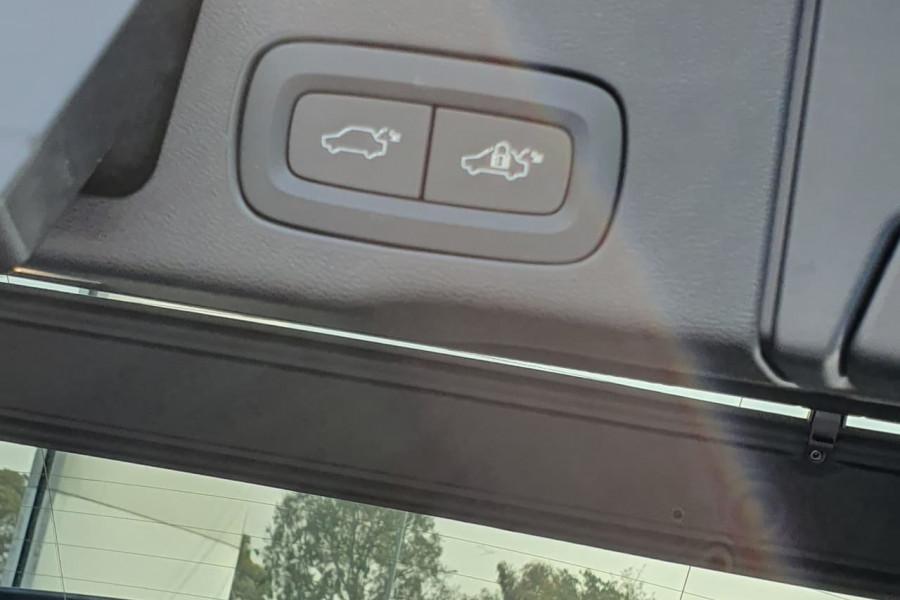 2020 Volvo XC60 UZ D4 Inscription Suv Mobile Image 13