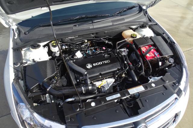 2015 Holden Cruze SRi 12 of 28