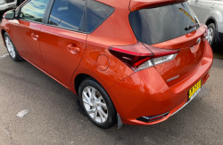 2015 Toyota Corolla ZRE182R Ascent Hatchback Image 5
