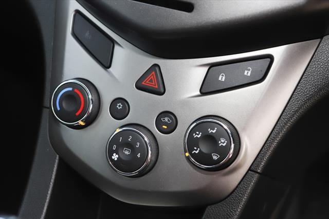 2016 Holden Barina TM MY16 CD Hatchback Image 18