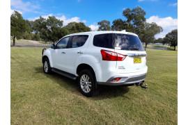 2017 MY16.5 Isuzu UTE MU-X 4x2 LS-U Wagon Image 5