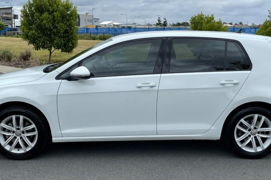 2017 Volkswagen Golf 110TSI Image 4