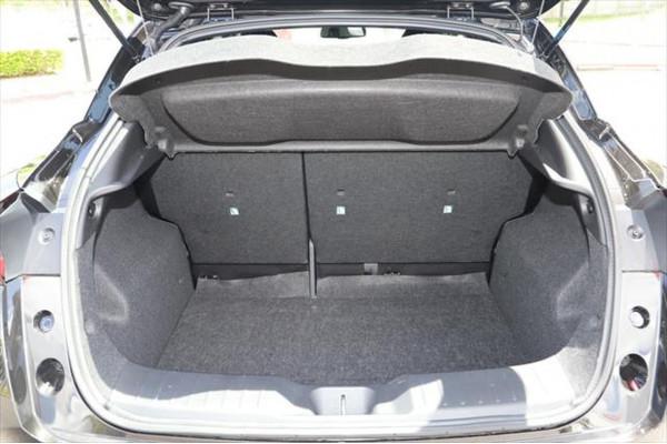 2020 Nissan JUKE F16 ST-L Hatchback Image 5