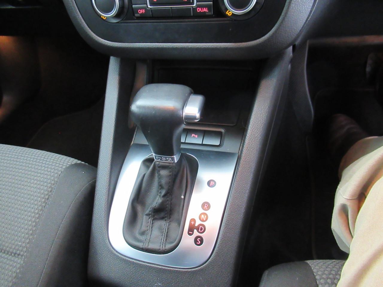 2010 Volkswagen Jetta 1KM MY10 103TDI Sedan Image 22