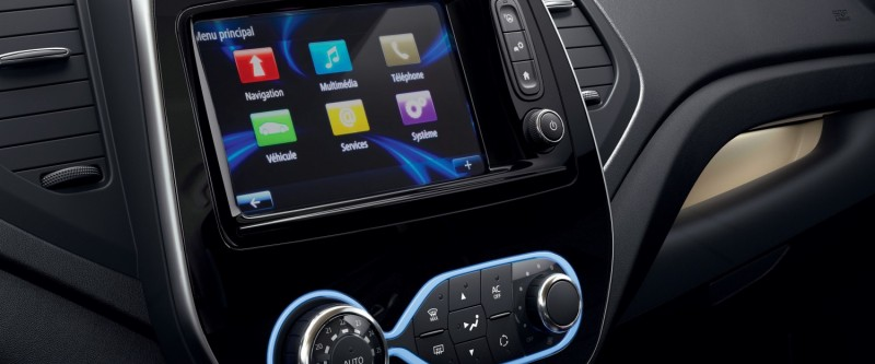 Captur Apple Carplay and Android Auto connectivity