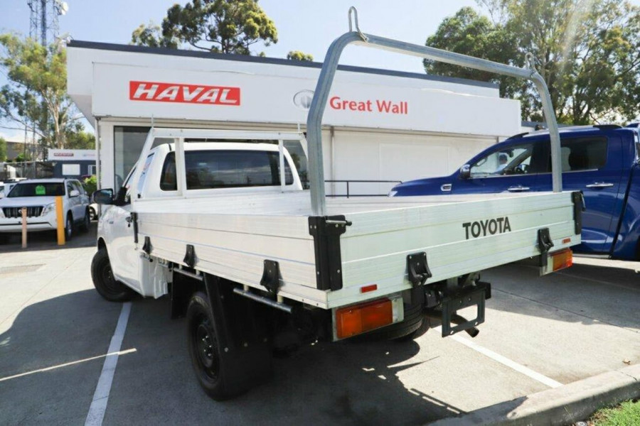 2016 Toyota HiLux GUN122R Workmate Cab chassis Image 2