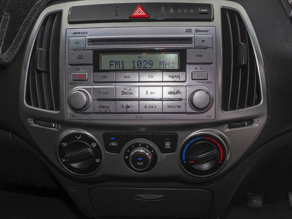 2014 Hyundai I20 PB MY14 Active Hatchback image 14