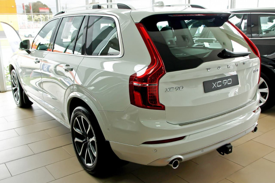 2018 MY19 Volvo XC90 L Series D5 Momentum Suv Mobile Image 3