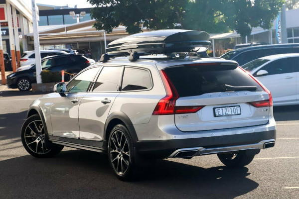 2020 Volvo V90 Cross Country P Series D5 Wagon Image 2