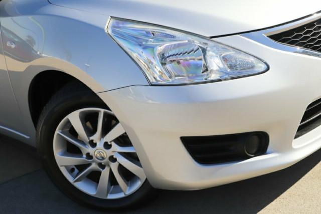 2014 Nissan Pulsar C12 ST Hatchback Image 2