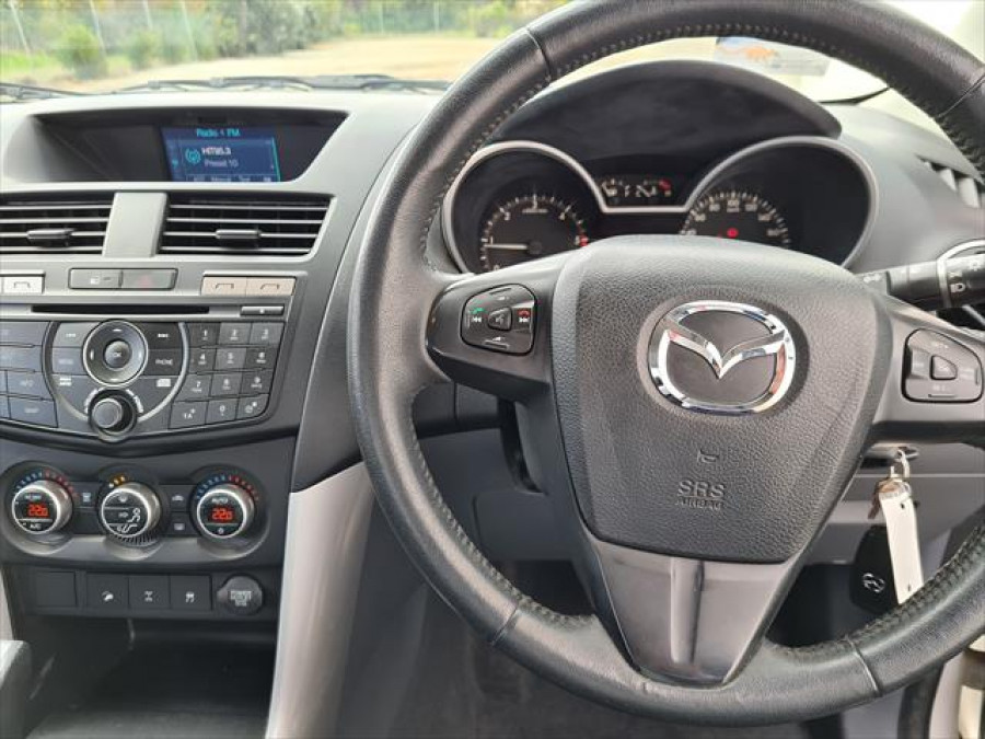 2014 Mazda Default UP0YF1 XTR Utility - extended cab Image 13