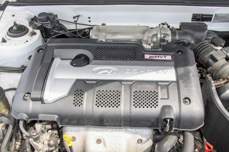 2005 Hyundai Elantra XD 05 Upgrade 2.0 HVT Hatchback Image 19