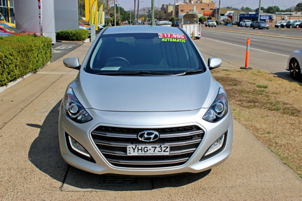 2015 MY16 Hyundai i30 GD3 Series II SR Hatchback Image 3