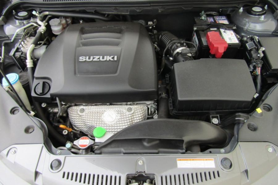 2015 MY14 Suzuki Kizashi FR Sport Touring Sedan Image 15