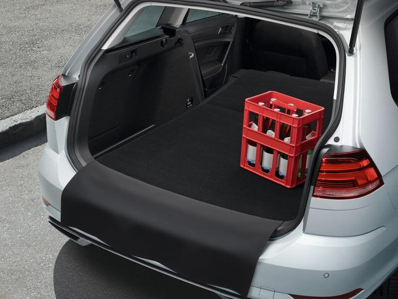 Reversible luggage compartment mat