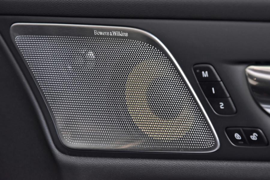 2020 Volvo V60 T5 R-Design T5 R-Design Wagon Mobile Image 21