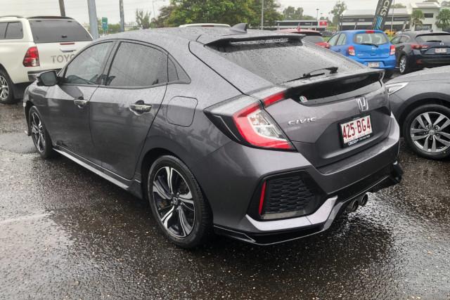 2017 Honda Civic Hatchback Image 4