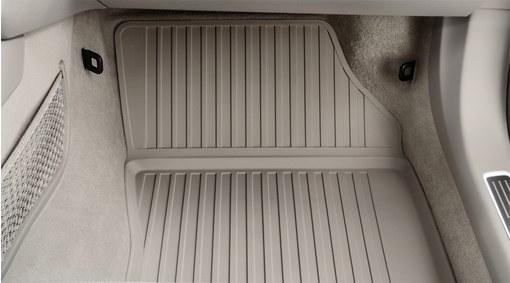 Mat, passenger compartment floor, moulded plastic