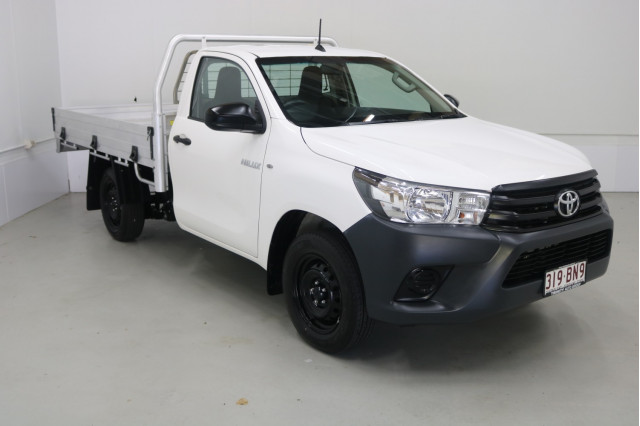 2016 Toyota HiLux TGN121R WORKMATE Cab chassis Image 3