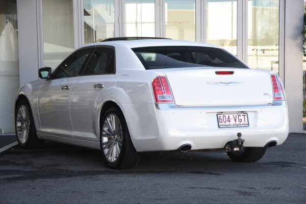 2014 Chrysler 300 LX C Sedan Image 3