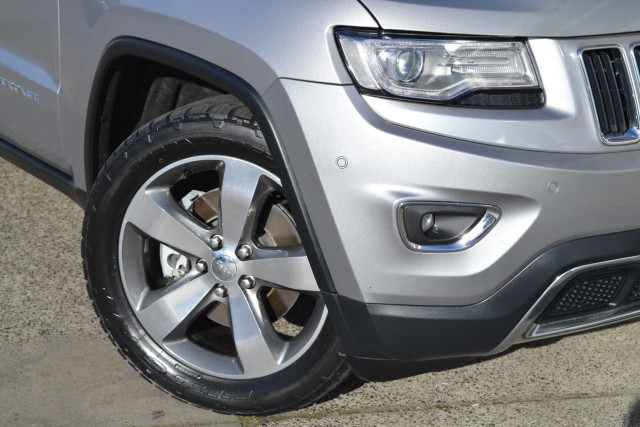 2013 Jeep Grand Cherokee Limited 26 of 27
