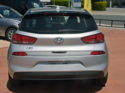 2017 MY18 Hyundai i30 PD Active Hatchback Image 5