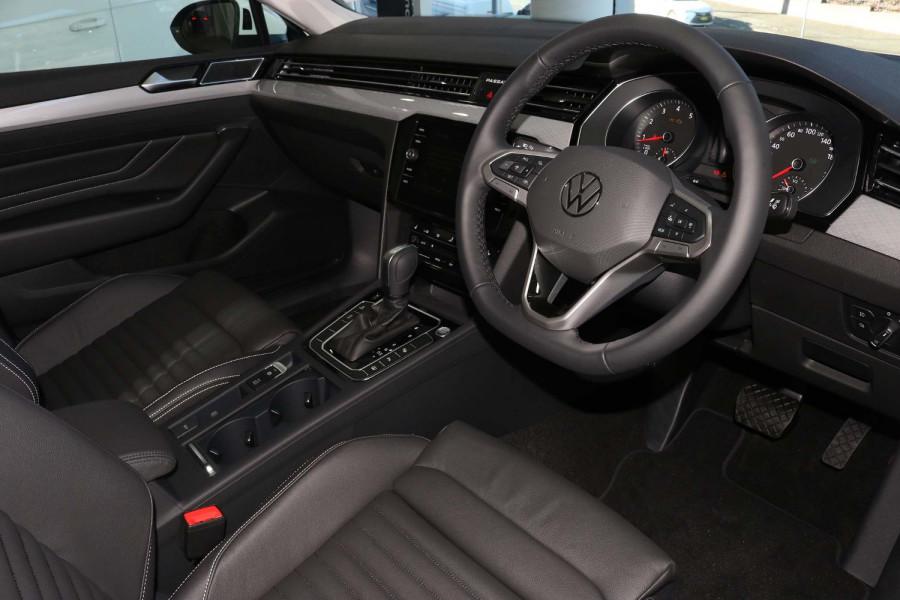 2021 Volkswagen Passat B8 140 TSI Business Sedan Image 11