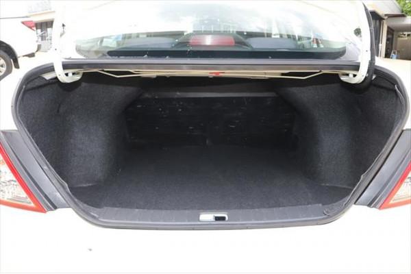 2013 Nissan Almera N17 ST Sedan Image 4